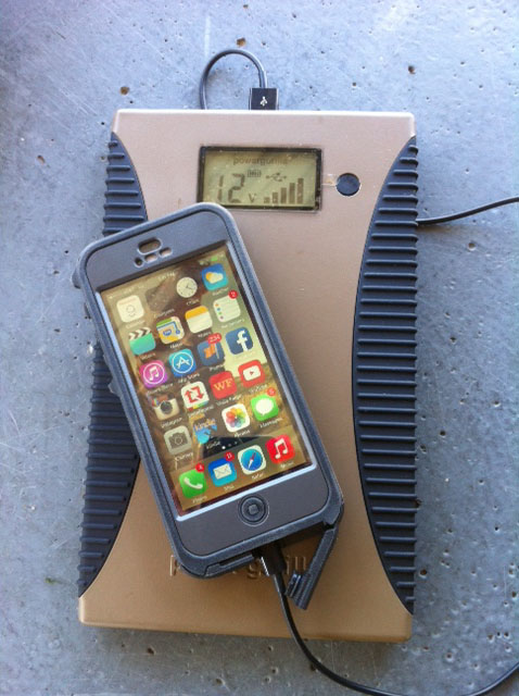 The Otterbox Iphone 5 Armor Series Breach Bang Clear