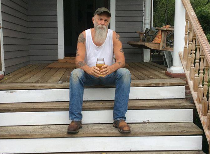 Seasick Steve - I started out with nothin' (and I still have most of it left).