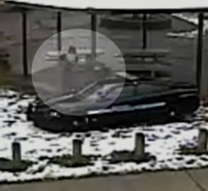 Tamir Rice reaching for the pistol in his waistband