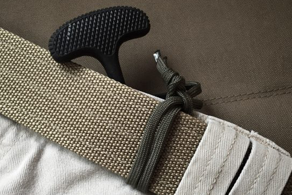 Dummycording your knife - a field expedient knife lanyard