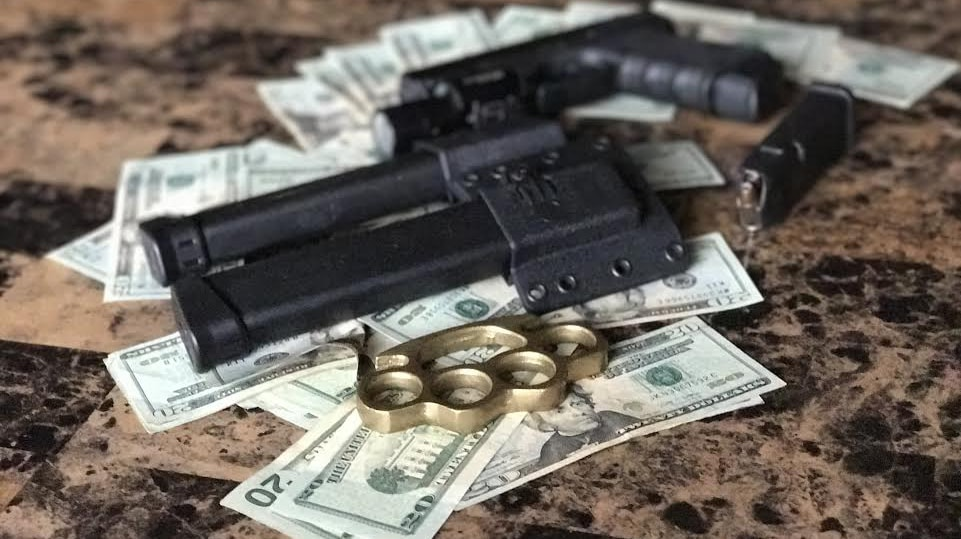 Gun-Money2