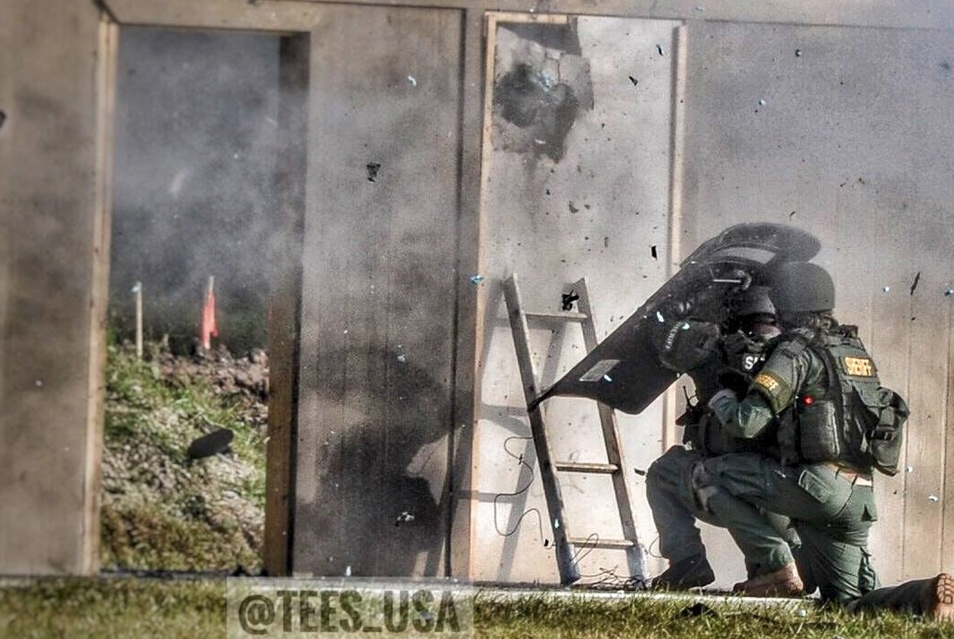 These classes will be an incredible asset for our LE/MIL students. The first Explosive Handlers \u0026 Breaching Course is scheduled for August 21-25 2017. & 88 Tactical - Knocking on Doors Explosively   Breach Bang Clear