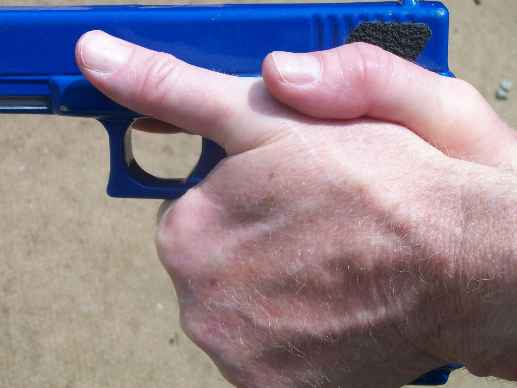 Properly Gripping an Autoloading Pistol