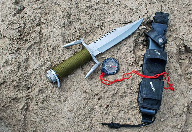 Buckmaster survival knife