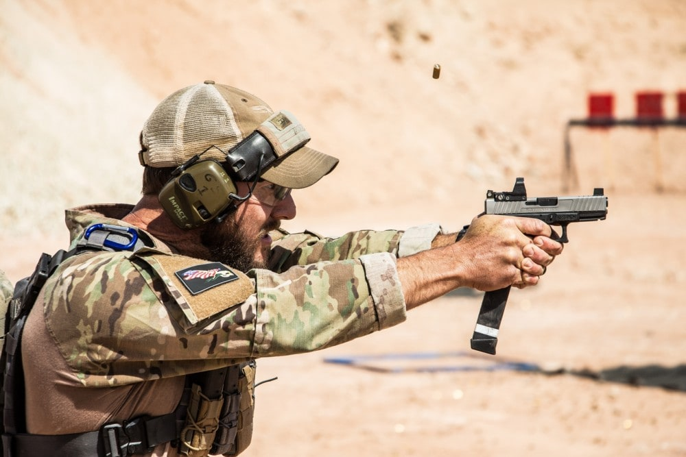 Independence Training's Glen Stilson using his KE19 Charlie with Leupold Deltapoint Pro.