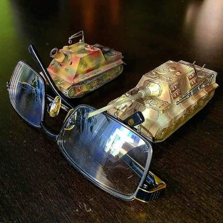 In this installment of tank week: 5 of the best 1/35 scale and other scale model tank modelers around. Tiger tank and Panzerkampfwagen.