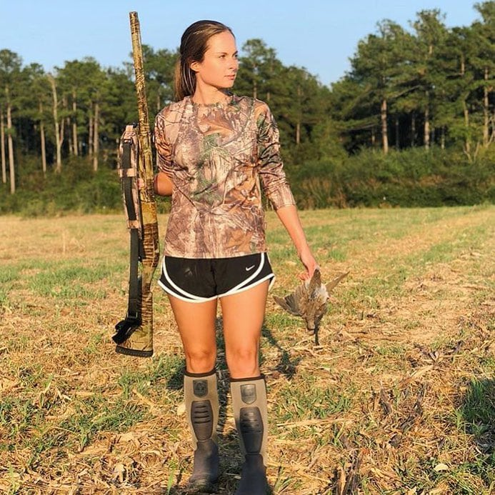 We admire huntresses - women who hunt and kill what they eat, including @erlamb3.
