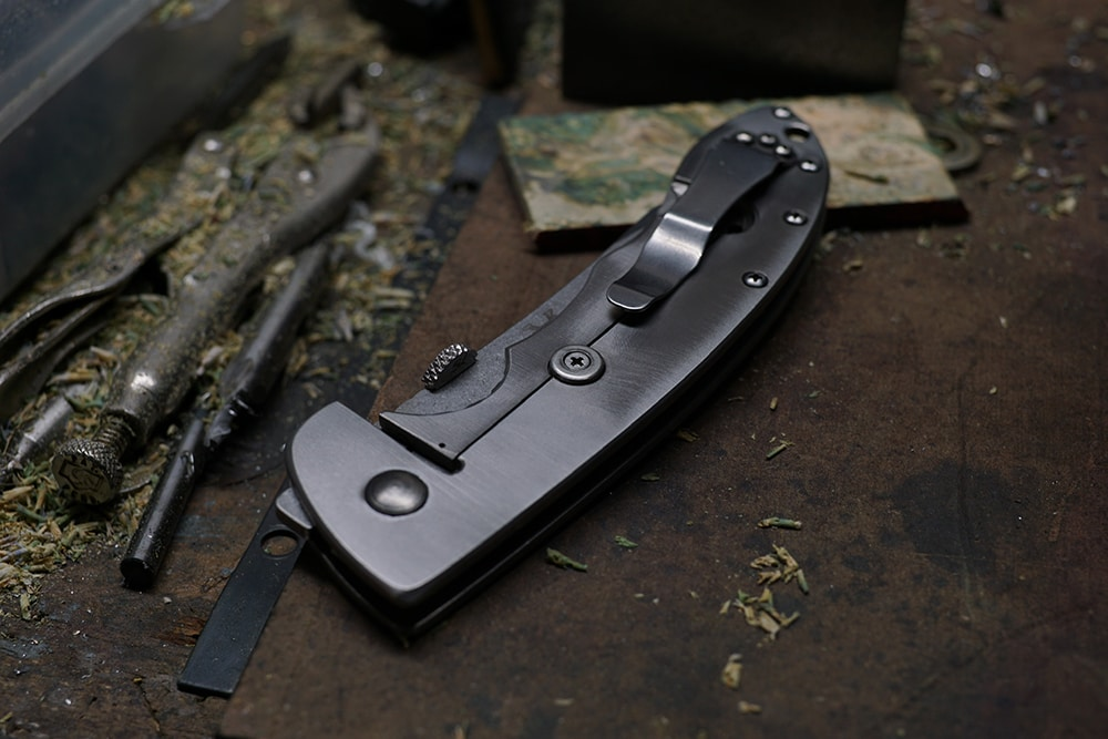 Custom knife maker and craftsman Bill Yester - @yester5