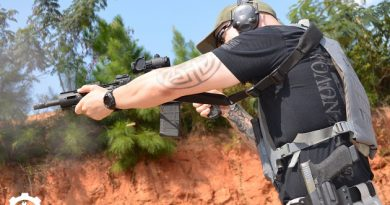 Minimalist plate carrier review by Aaron Cowan for Monderno