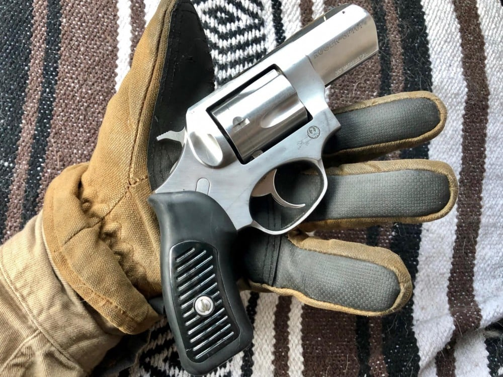 Mike Kupari - shooting in gloves - cold weather shooting gloves - know your gear