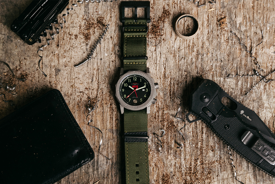 This MTM Hypertec is a collaboration between MTM Watches and SOG Knives