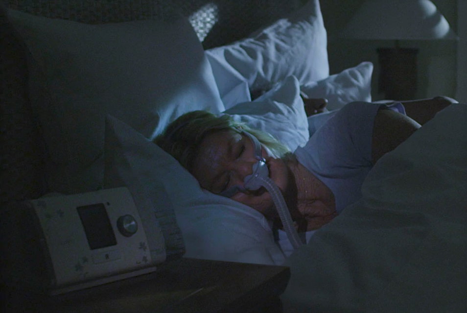 For sleep apnea: The ResMed - AirSense 10 AutoSet for Her has AutoRamp™ with sleep onset detection. It starts by delivering a low pressure for greater comfort and then after you fall asleep, it gradually increases the pressure to the prescribed level.