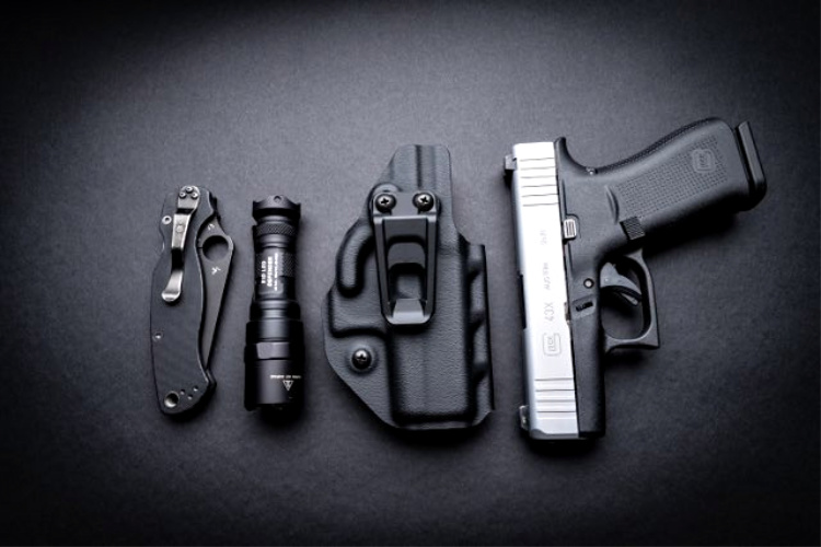 The Crucial Concealment IWB Hellcat holster fits right in with the everyday carry lineup.