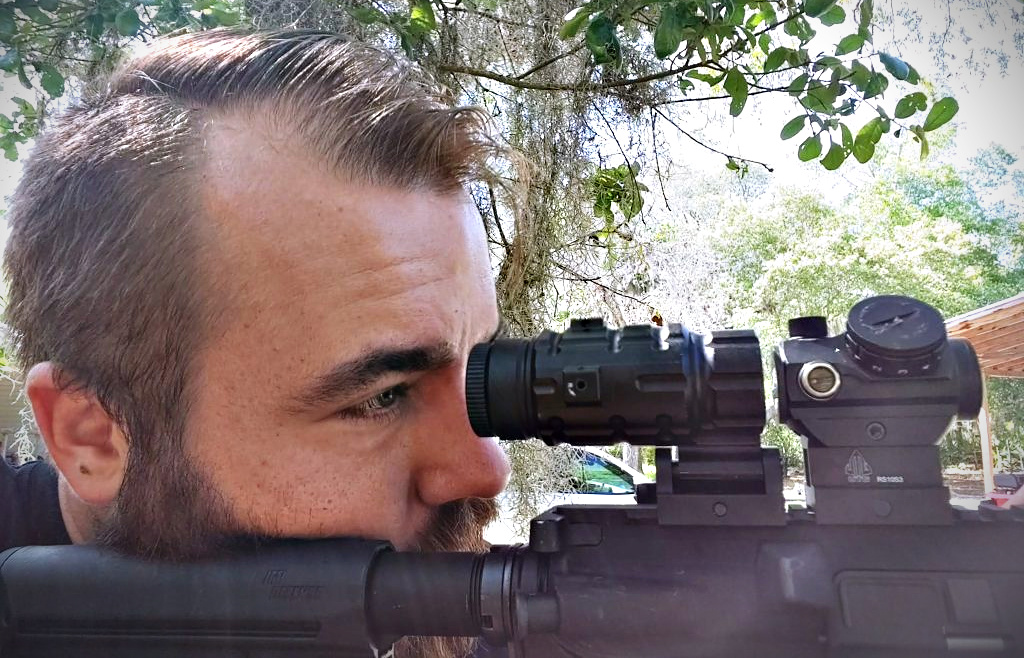 Budget red dot set-up - UTG magnifier, tight eye relief.