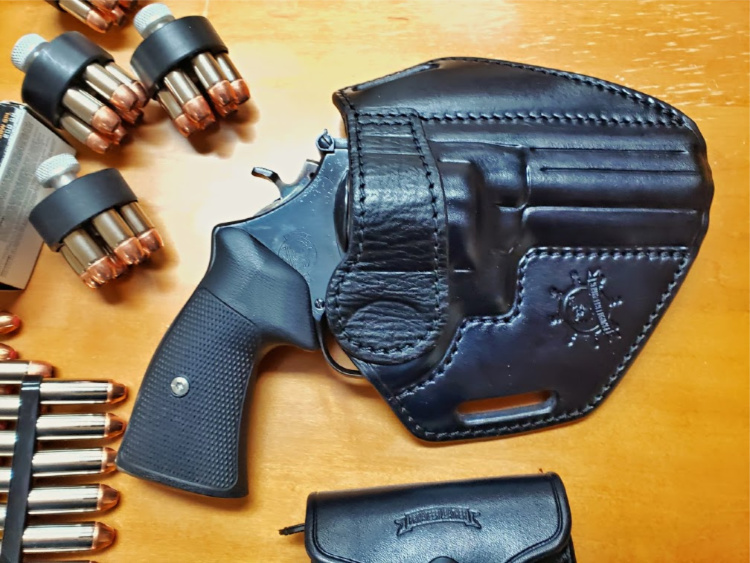Privateer Leather custom holster, .44 Special with VZ grips.