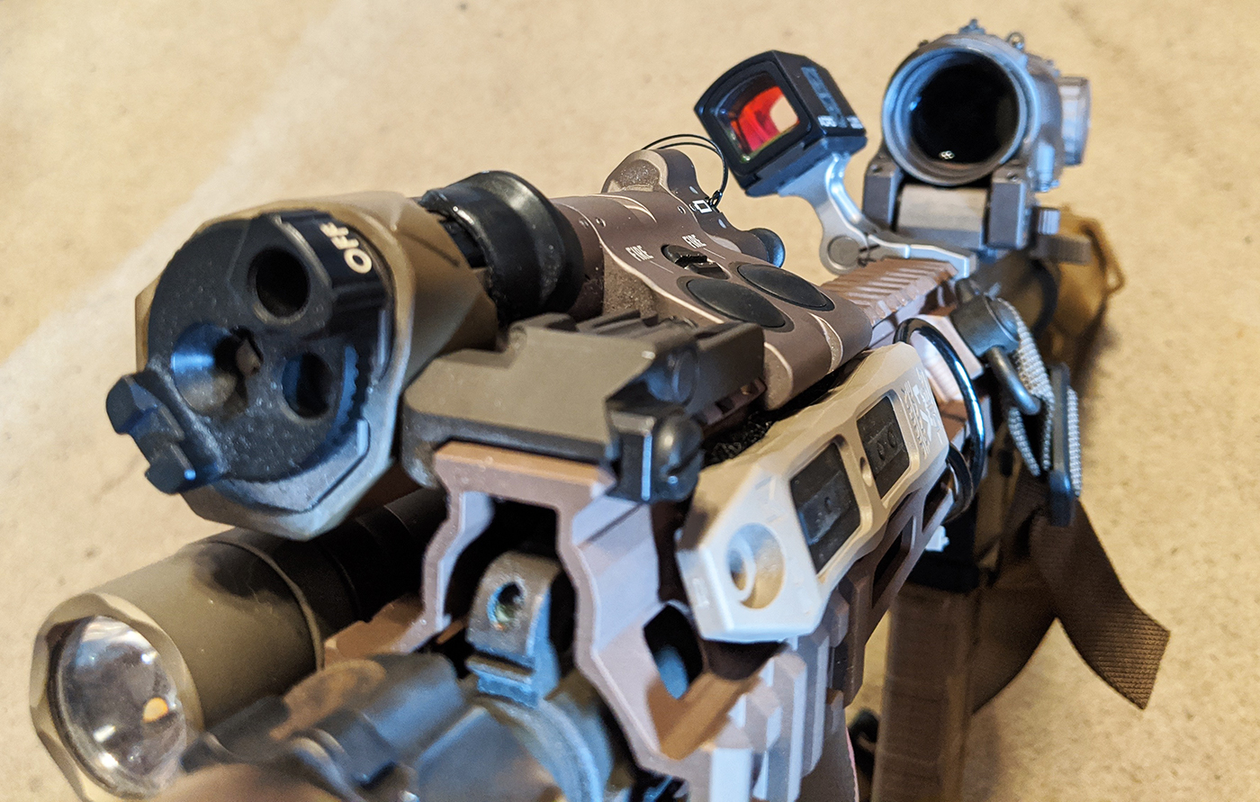 Switchology: Surefire M600DF and BE Meyers MAWL with TAPS Sync from Unity Tactical on DARC-based HK416 CQB carbine.