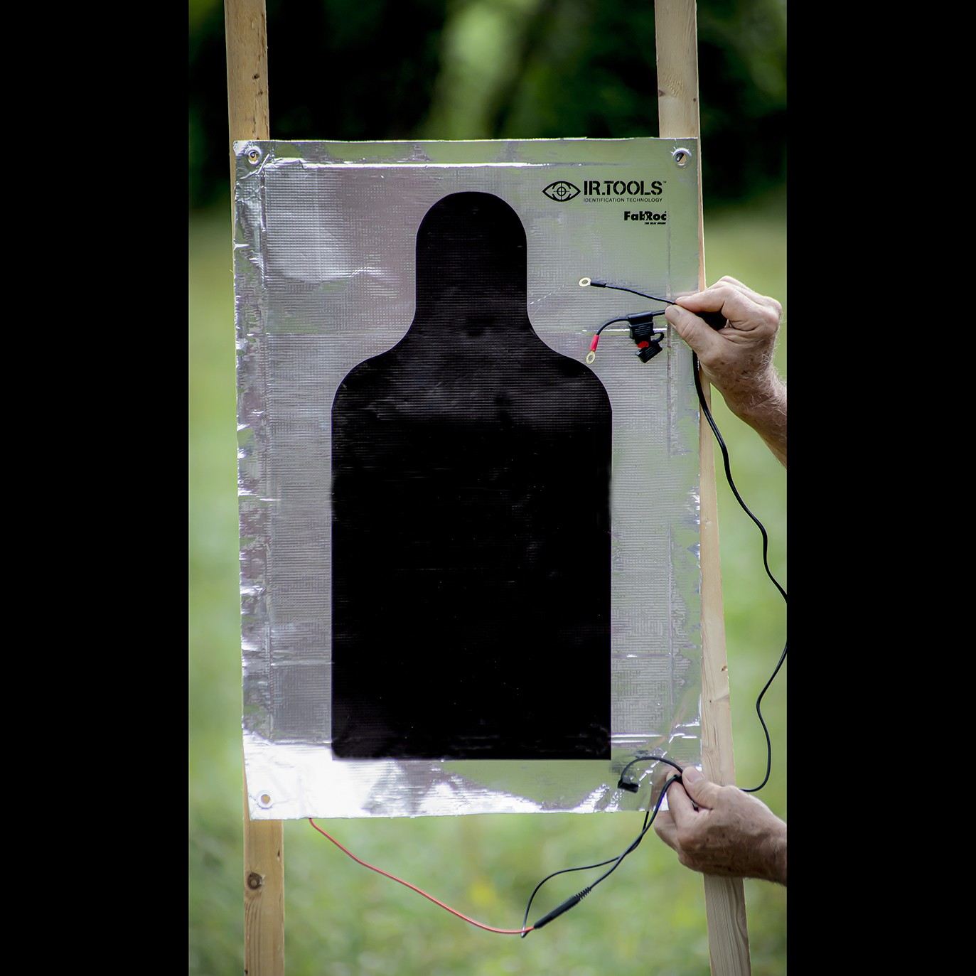 Silhouette targets with thermal compatibility