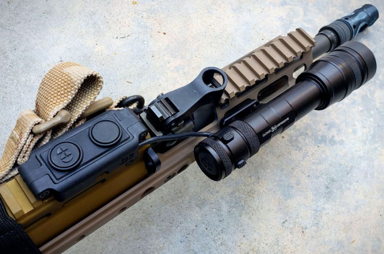 SCAR 17S accessory weapon mounted light Cloud Defensive REIN